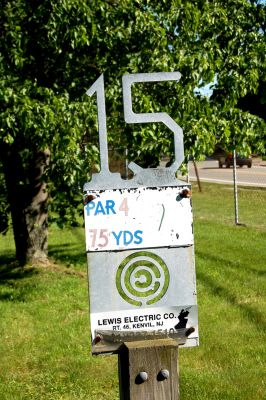 Browns Point/Buzzy's Creek, Main course, Hole 15 Hole sign