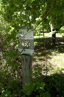Browns Point/Buzzy's Creek, Main course, Hole 2 Hole sign