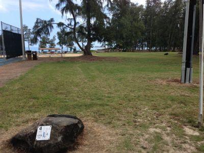 Bellows Field Beach DGC, Main course, Hole 4 Tee pad