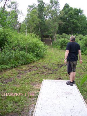 Spinski's, Champion course, Hole 5 Tee pad