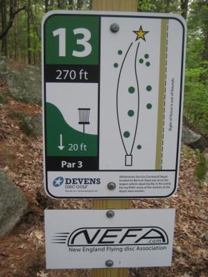 Devens DGC, The Hill, Hole 13 Hole sign