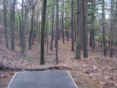 Devens DGC, The Hill, Hole 13 Tee pad