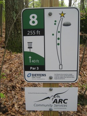 Devens DGC, The Hill, Hole 8 Hole sign