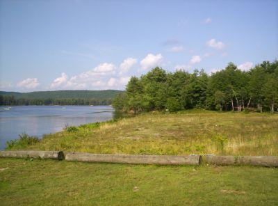 Tully Lake, Main course, Hole 1 Midrange approach