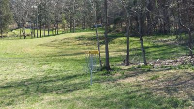 Persimmon Ridge Park, Kiwanis DGC, Hole 8 Short approach