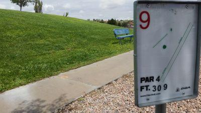 Vista Hills Park, Main course, Hole 9 Tee pad