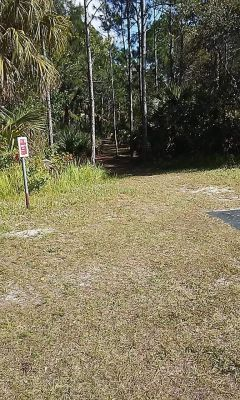 Palm Bay Regional DGC, Main course, Hole 6 Tee pad