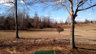 Dundee Lake, Main course, Hole 17 Tee pad
