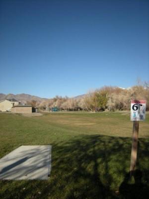 Dry Creek Trail Park, Main course, Hole 6 Tee pad