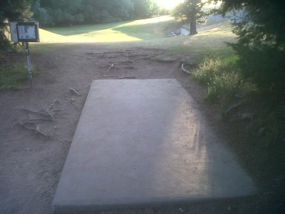 Creekside Park, Main course, Hole 1 Tee pad