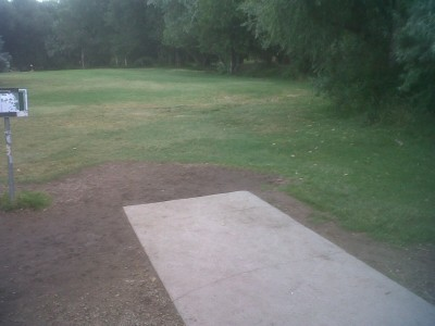 Creekside Park, Main course, Hole 2 Short tee pad