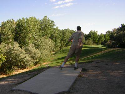 Creekside Park, Main course, Hole 5 Tee pad