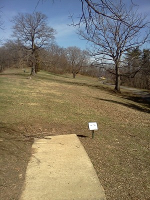 Rotary Park, Main course, Hole 18 Short tee pad