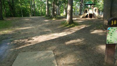 Jaycee Park, Main course, Hole 18 Tee pad