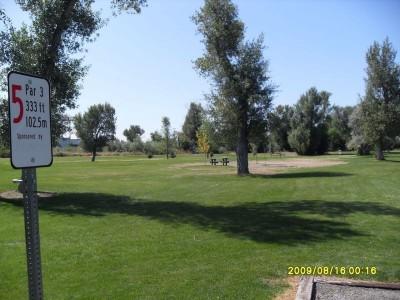 Blackfoot DGC, Main course, Hole 5 Tee pad