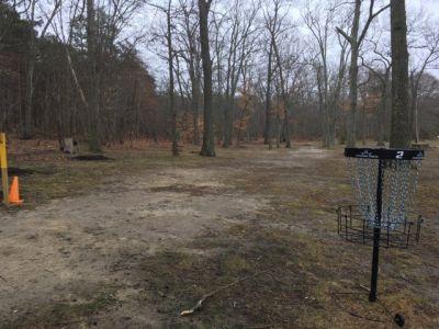 Laurel Pond Park, Main course, Hole 2 Short approach