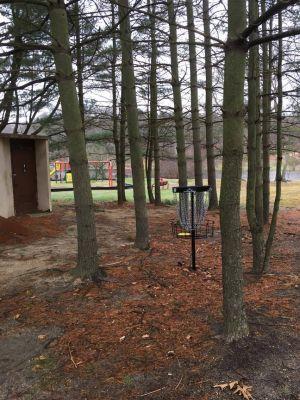 Laurel Pond Park, Main course, Hole 18 Putt