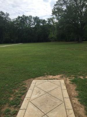 Pinson Bicentennial Park, Main course, Hole 1 Short tee pad