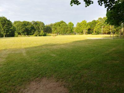 Highland Park, Main course, Hole 2 Tee pad