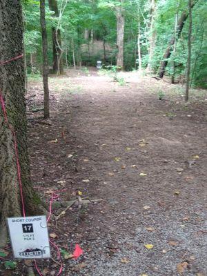 Cane Ridge Park, Short course, Hole 17 Tee pad