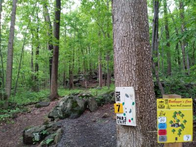 Boulderwoods Campground, Bootlegger's Cave, Hole 7 Tee pad