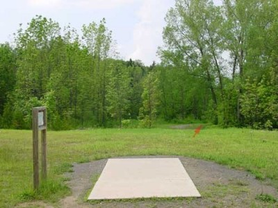 Oxbow Falls Park, Main course, Hole 10 Tee pad