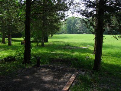 Joralemon Park, Main course, Hole 4 Tee pad