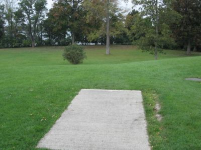 Beaver Island State Park, Main course, Hole 1 Middle tee pad