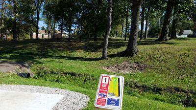 Faircrest Park, WC Griffith DGC, Hole 1 Long tee pad