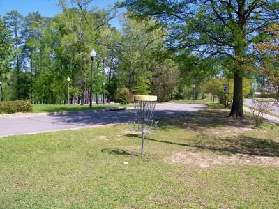 Lake Olmstead Park, Main course, Hole 2 Putt