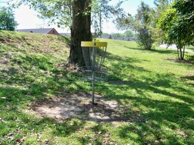 Lake Olmstead Park, Main course, Hole 4 Putt