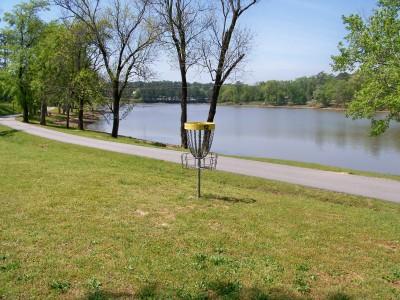 Lake Olmstead Park, Main course, Hole 12 Putt