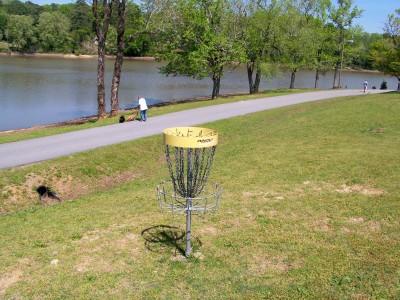 Lake Olmstead Park, Main course, Hole 6 Putt