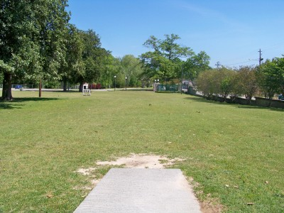 Lake Olmstead Park, Main course, Hole 2 Tee pad