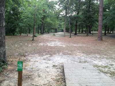 Pendleton King Park, Main course, Hole 16 Tee pad