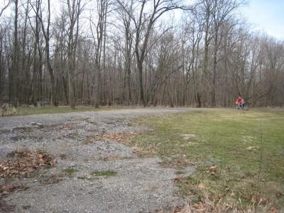 Heritage Park, Heritage Park DGC, Hole 13 Short approach