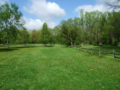 Heritage Park, Heritage Park DGC, Hole 7 Middle tee pad