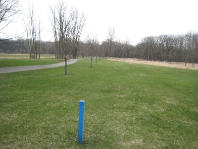 Heritage Park, Heritage Park DGC, Hole 10 Long tee pad