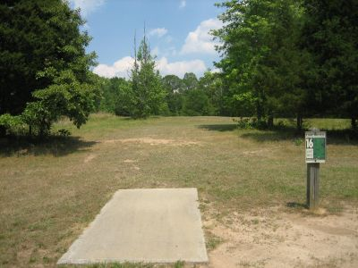 Lake Russell, Main course, Hole 16 Tee pad