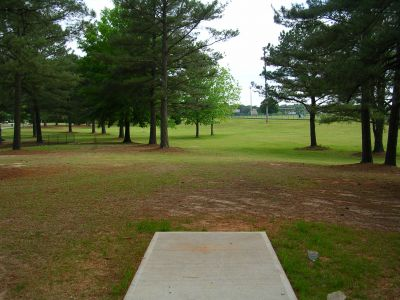 McCurry Park, Main course, Hole 5 Tee pad