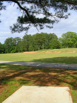 McCurry Park, Main course, Hole 6 Tee pad