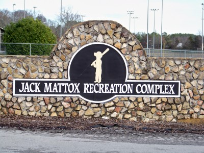 Jack Mattox Recreation Complex, Main course, Hole 1 Hole sign