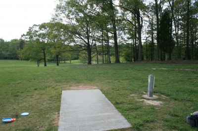 Lenora Park, Main course, Hole 13 Tee pad