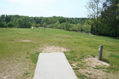 Lenora Park, Main course, Hole 1 Tee pad