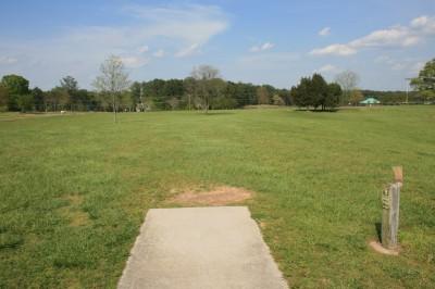 Lenora Park, Main course, Hole 9 Tee pad