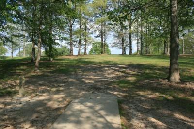 Lenora Park, Main course, Hole 16 Tee pad