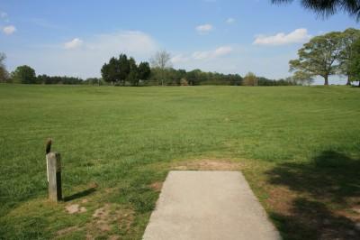 Lenora Park, Main course, Hole 6 Tee pad