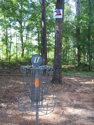 J.P. Moseley Park, Main course, Hole 1 Putt