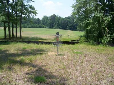 J.P. Moseley Park, Main course, Hole 9 Putt