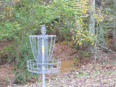 J.P. Moseley Park, Main course, Hole 13 Putt